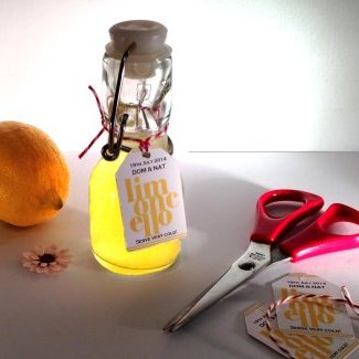 Swing Top Bottles ideal for wedding favours or gifts. For Limoncello, Sloe Gin etc with easy to open swing top stopper.Due to the size and shape of the bottle we recommend using the tie on tags for the labels.